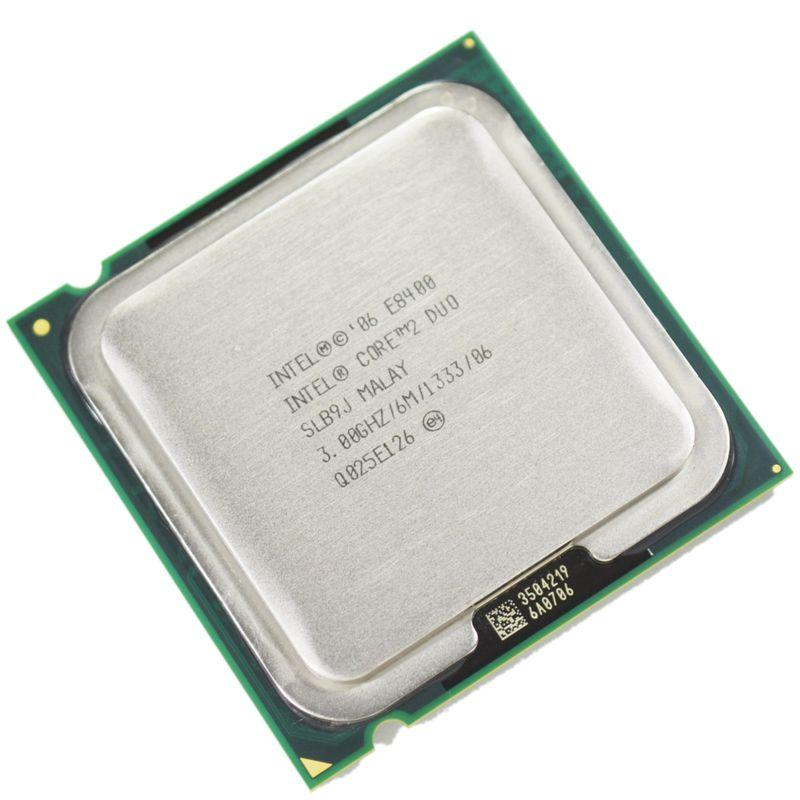 پردازنده های Dual Core یا دو هسته ای دارای دو عدد پردازنده یا CPU در یک تراشه واحد هستند و به طور همزمان کار میکنند